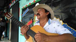 NICOYA: Yayo sabe cómo enfrentar la amenaza del regaetón contra el folklor