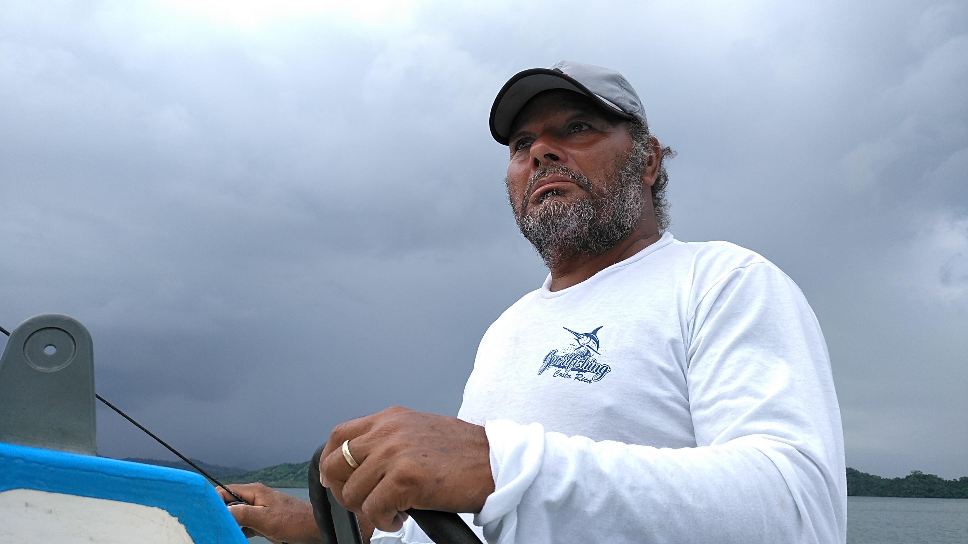PAQUERA : Un  Hemingway criollo con fuerza para unir pescadores
